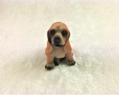 Bluthund Jagdhund sitzend in Miniatur 1:12