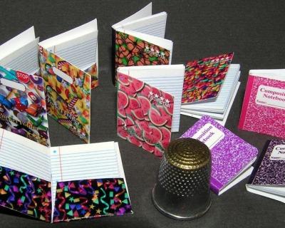 Schreibhefte Bastelkit aus Papier in Miniatur