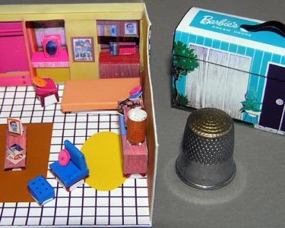 Puppenhaus im Koffer Bastelkit aus Papier