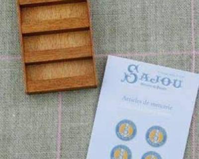 Sajou-Miniatur-Kurzwaren Display für Sajou-Alben Bastelkit in