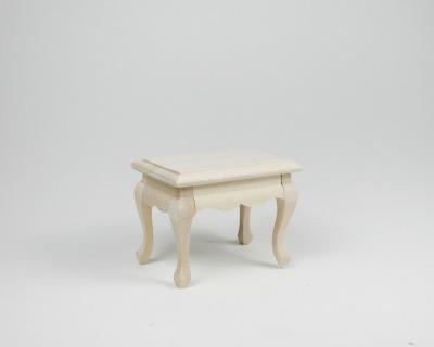 Kleiner Tisch für die Puppenstube das