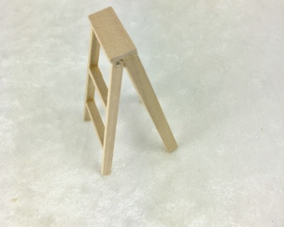 Kleine Leiter für die Puppenstube das
