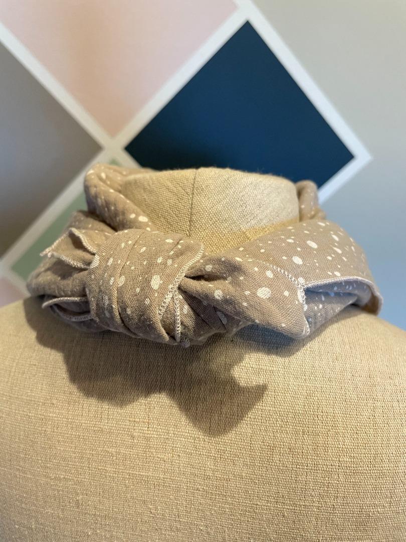 Sofortkauf Handmade Musselintuch 60x60 cm beige