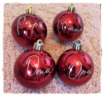 Bestellung Weihnachtskugeln in rot oder silber