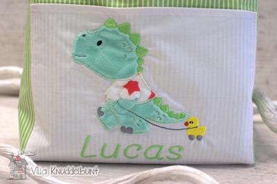 Handmade Windelutensilo mit einem süßen Dino