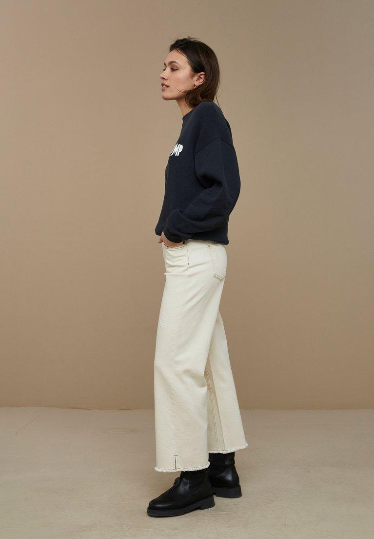 by-bar roxy sweater - jet black