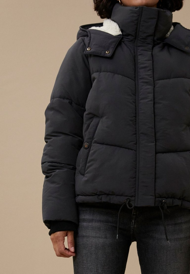 by-bar woody short coat jet black