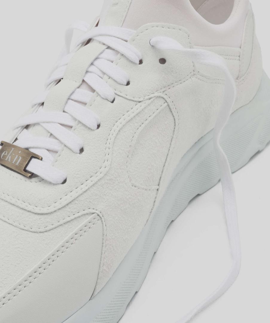 LARCH - White 11