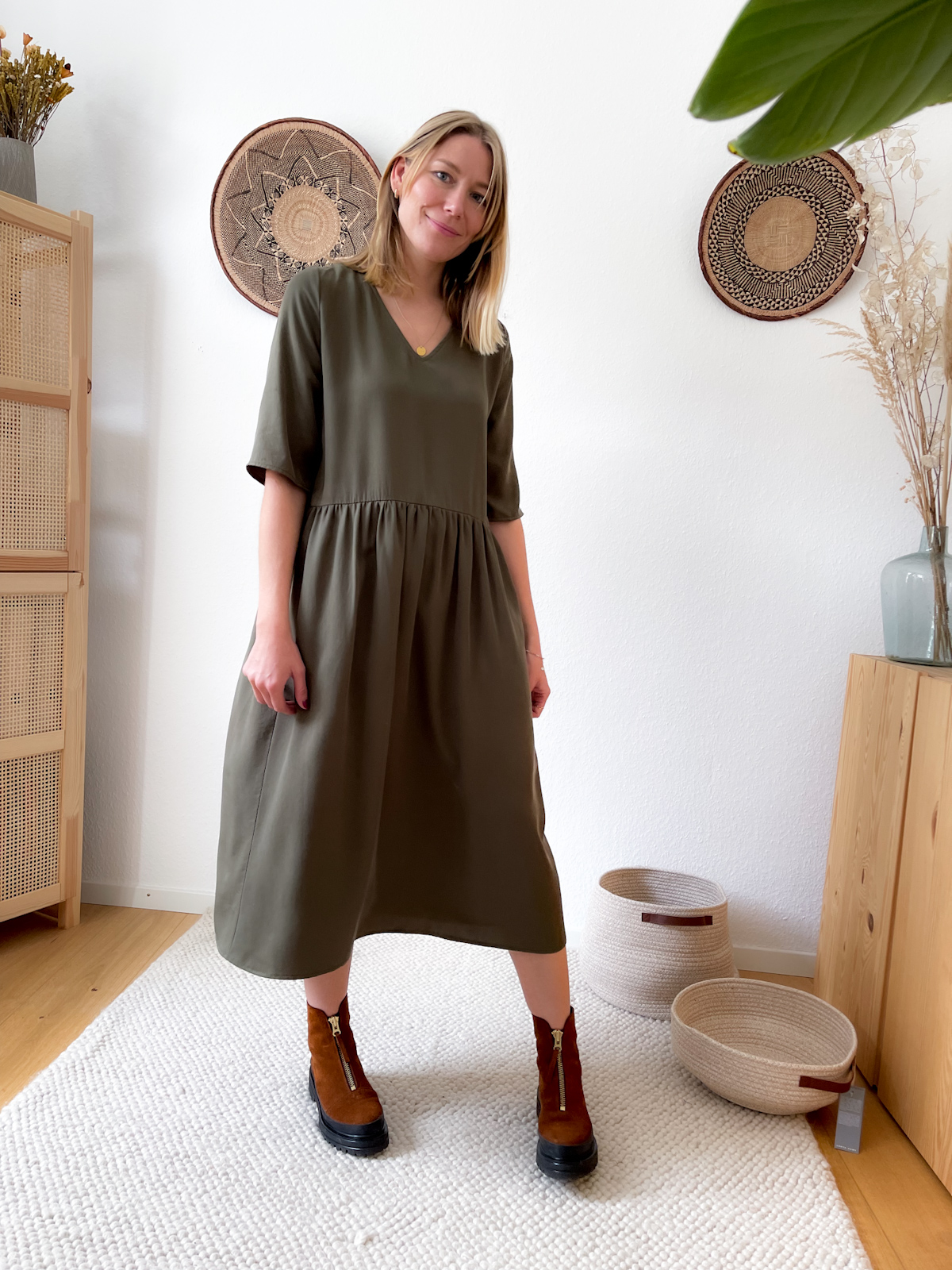 MIO ANIMO VANJA DRESS Tencel Olive