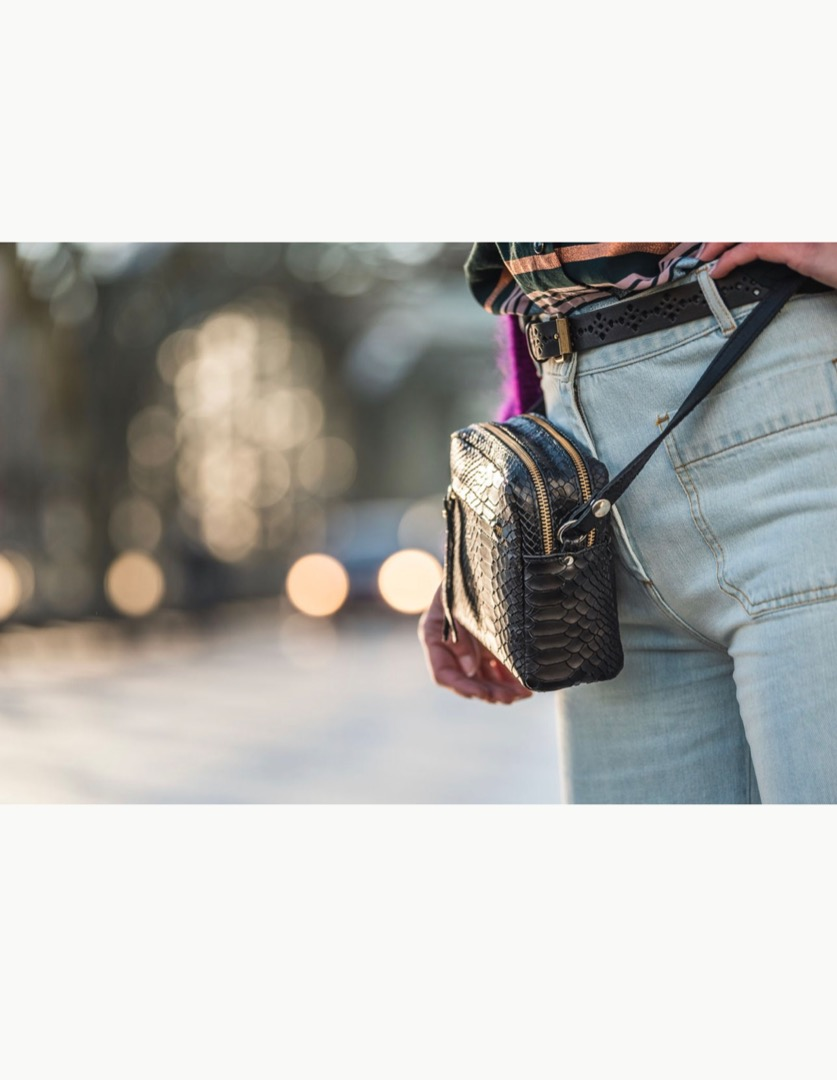 Cubo Mini Shoulder Bag Metallic Silver