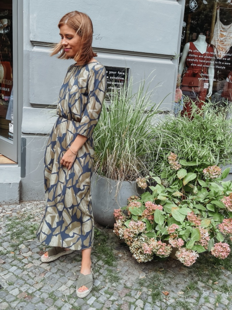 MIO ANIMO COCO DRESS Olive Leaves