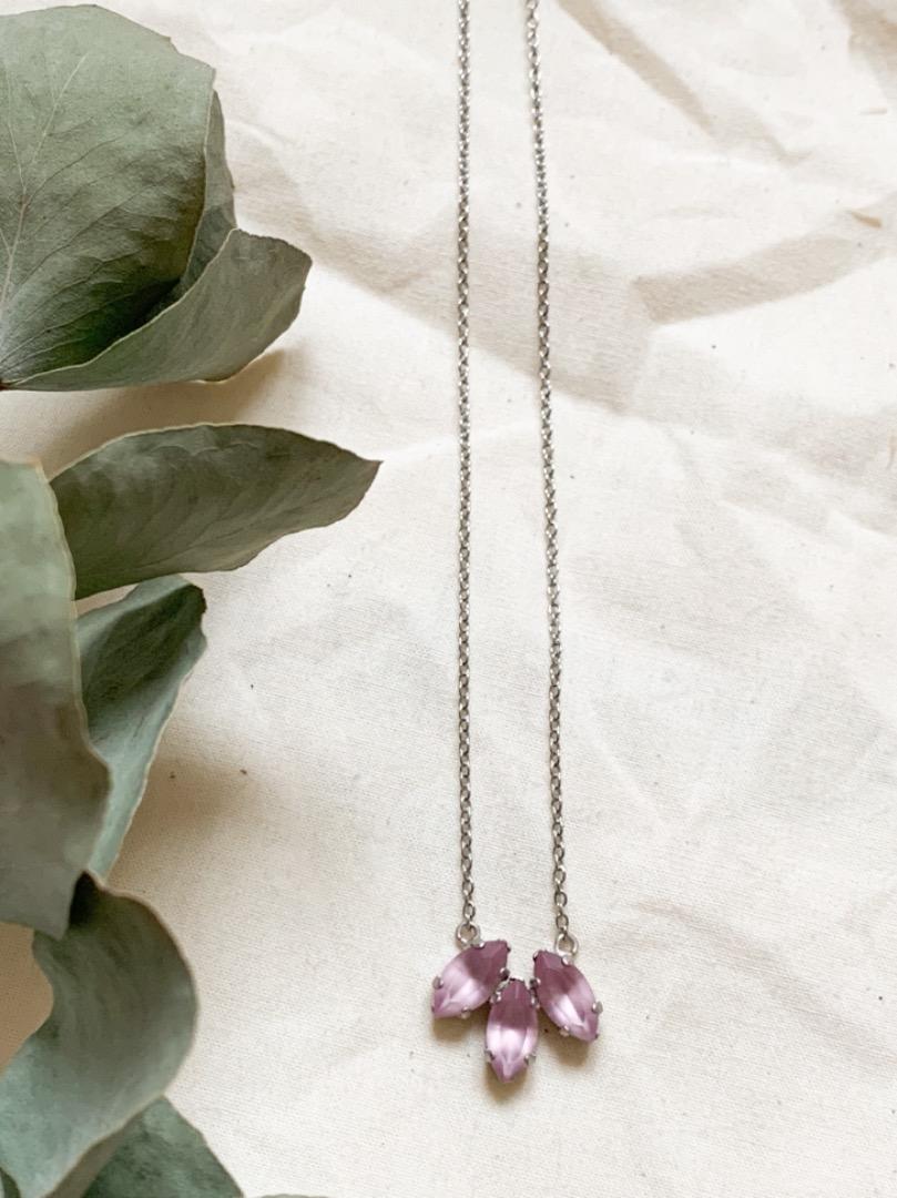 Statement-Kette silbern mit lilanen Swarovski Kristallen