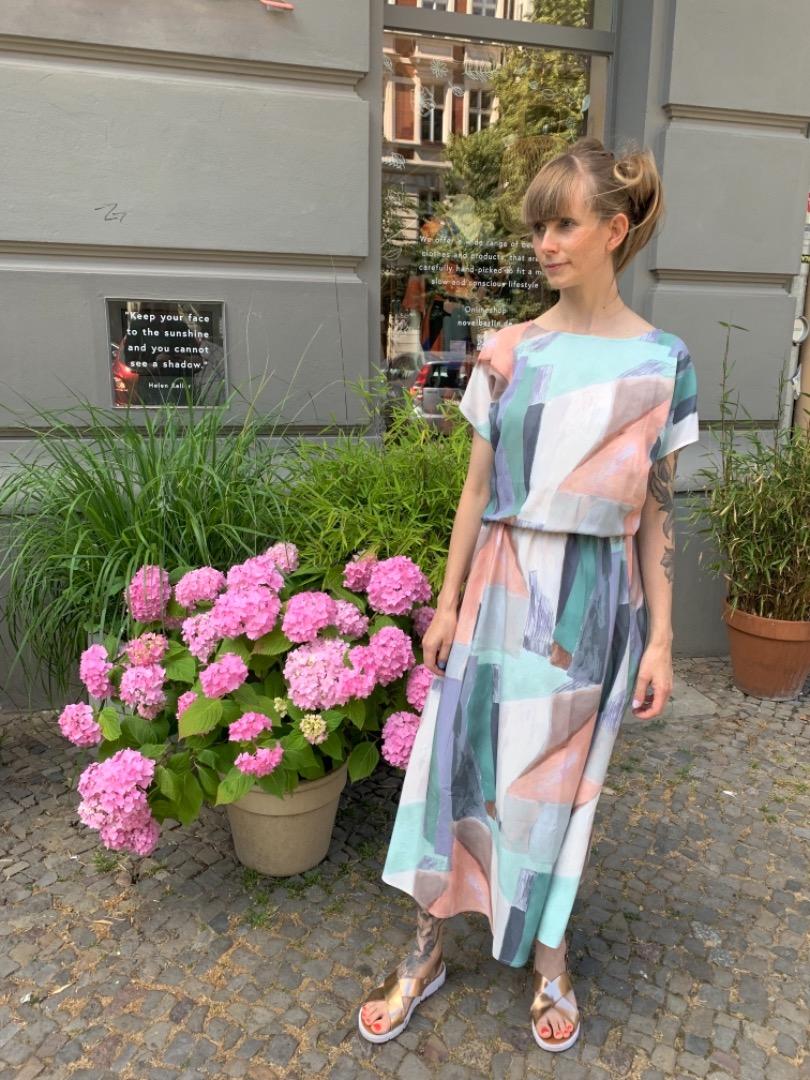 MIO ANIMO - AENN DRESS Pastell
