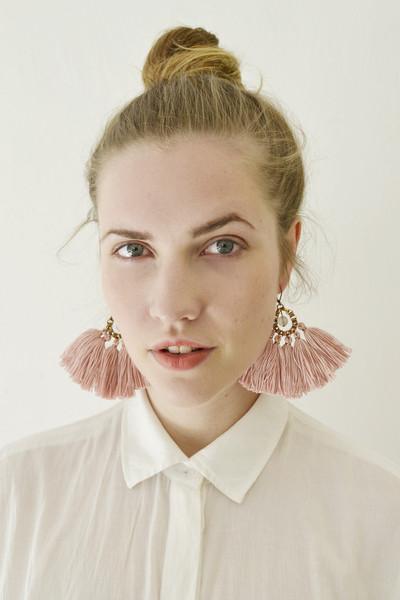 Grosse rosafarbene Quasten Ohrringe von GUDBLING