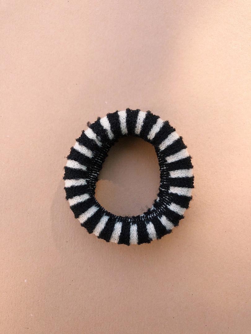 Haargummi Stripes- Black/White COMING SOON