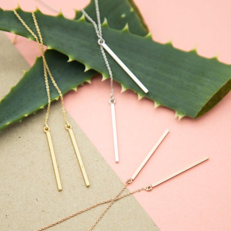 Minimalistischer Einfädel Ohrring rosé vergoldet Stäbchen