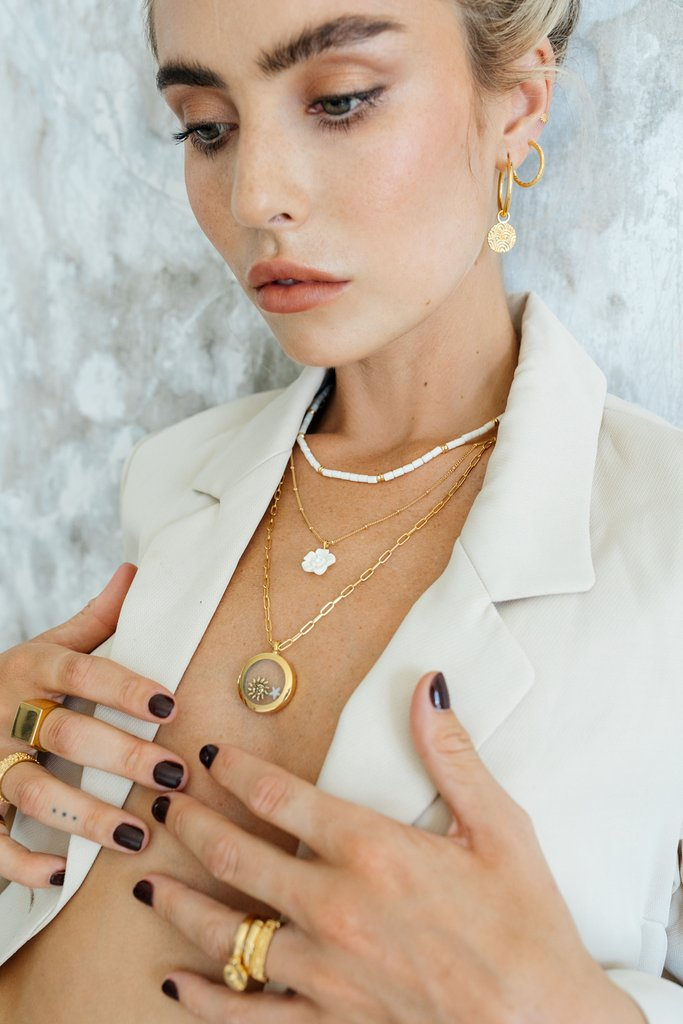 Round gold necklace 2