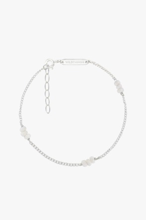 wildthings collectables Triple white beads bracelet