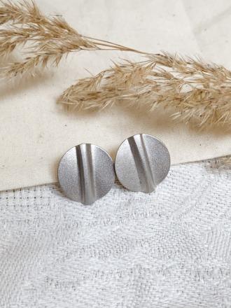 Ohrring Stecker silber Plättchen mit Strich