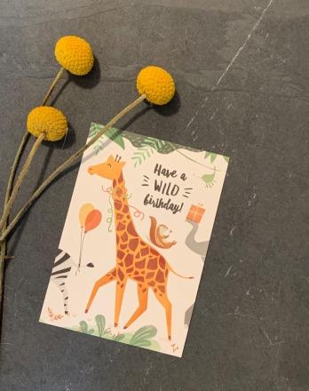 vierundfünfzig illustration Postkarte Wild Birthday Giraffe