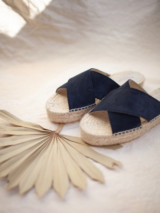 MARINE CROSSED FLATS - by