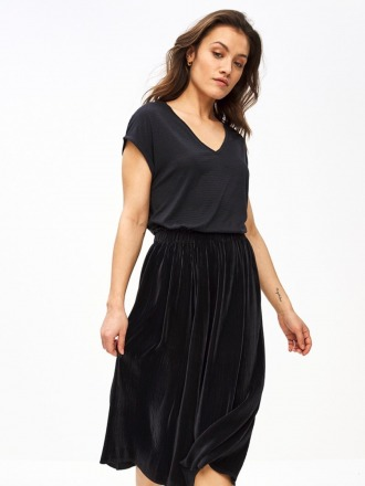 suus plisse skirt - midnight -