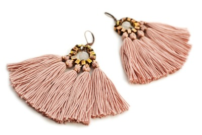 Große rosafarbene Quasten Ohrringe von GUDBLING
