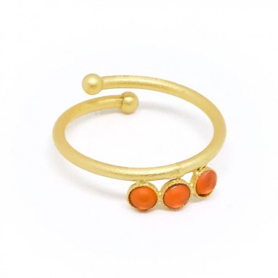 Ring vergoldet mit orangen Acrylsteinen verstellbar
