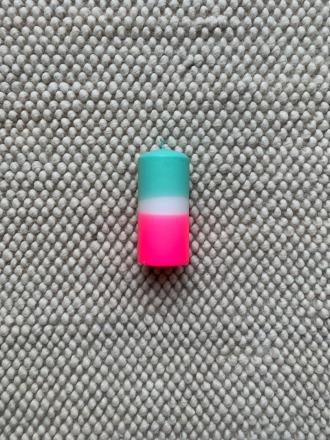 UNIQUE ARTS Stumpen Kerze groß Pink/Türkis