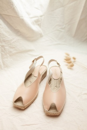 JUTELAUNE THE NUDE VEGAN PEEP TOES