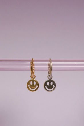 wildthings collectables Smiley coin earring gold