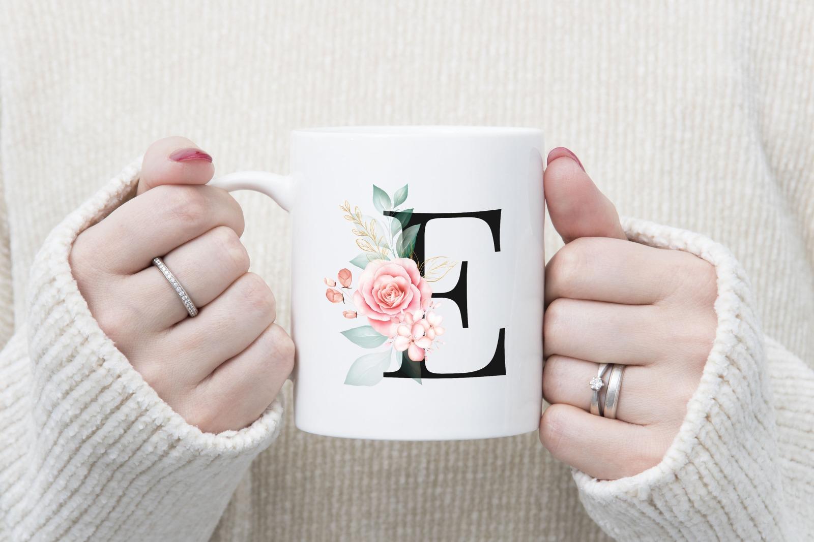 Buchstabentasse Kaffee-Tasse mit Pink-Flower Buchstabe 4