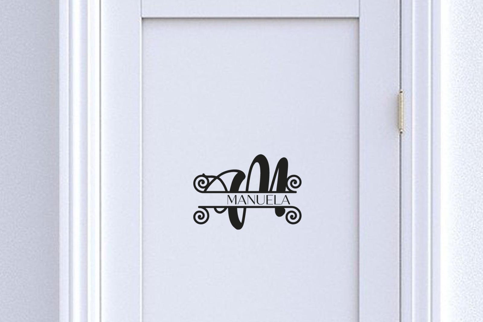 Türaufkleber Monogramm mit Namen 2