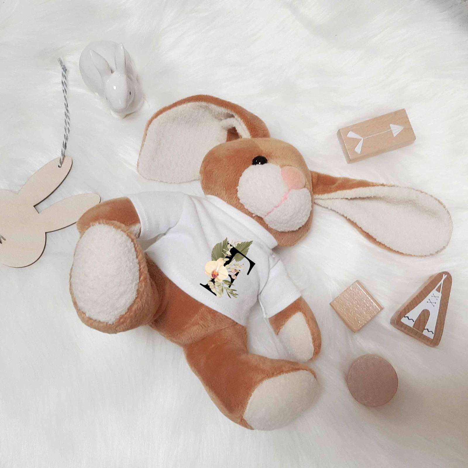 Kuscheltier Hase personalisiert mit Buchstaben 2