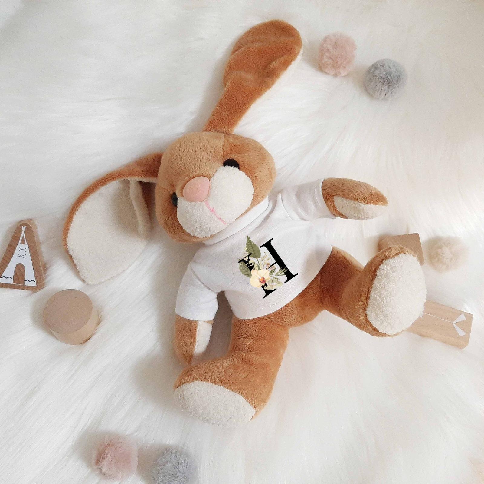 Kuscheltier Hase personalisiert mit Buchstaben 4