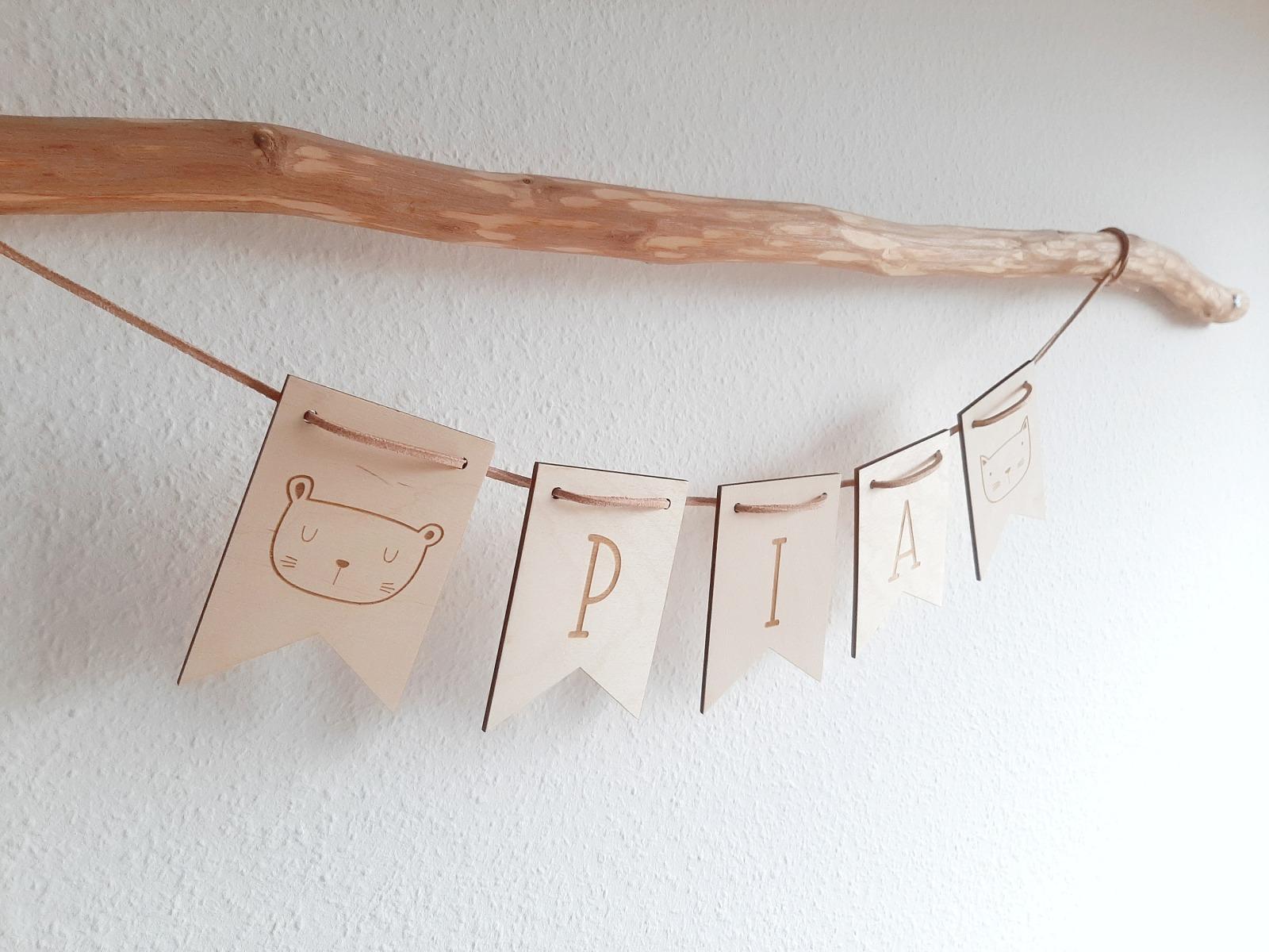 Wimpel Girlande personalisiert aus Holz 8