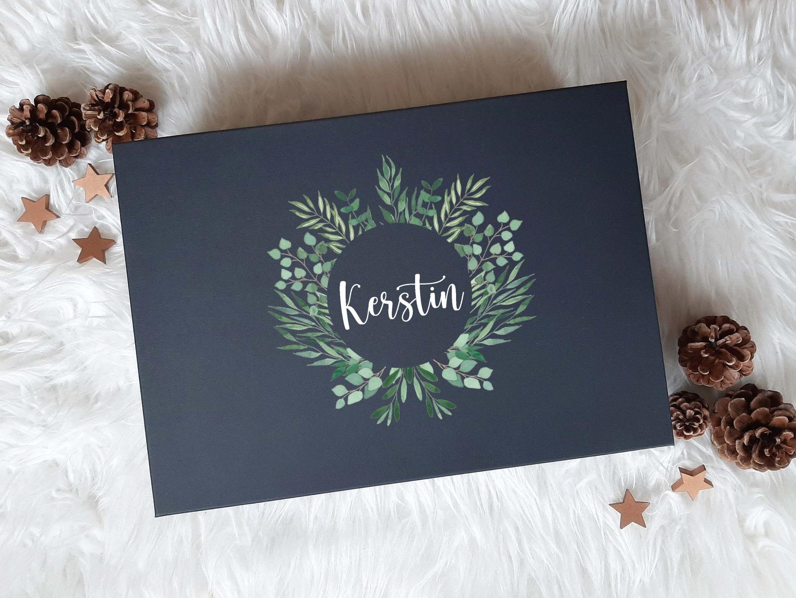 Geschenkbox mit Rosen-Look 3