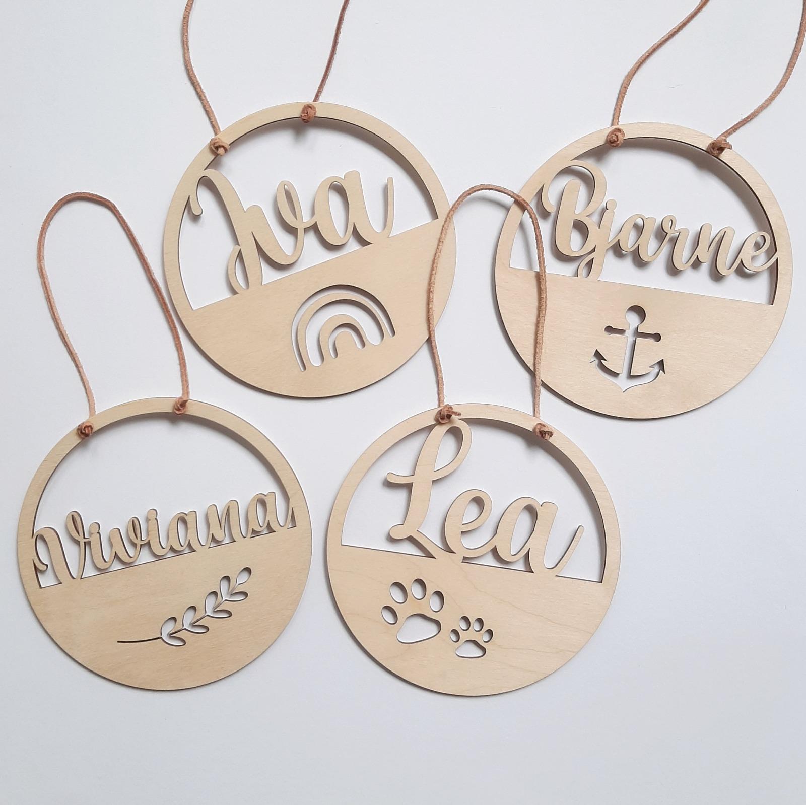 Namensschild mit Motive aus Holz 5
