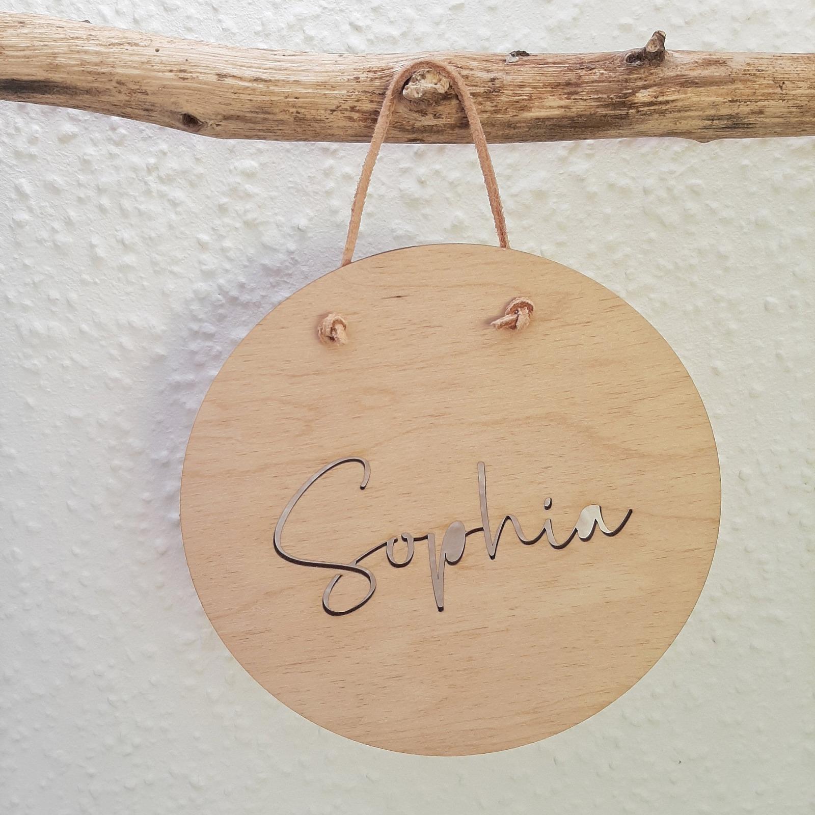 Holzschild mit Namen ausgestanzt 3