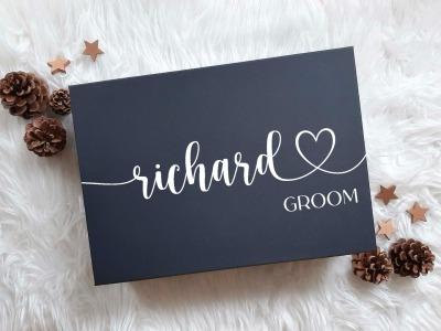 Geschenkbox mit Name und Titel Geschenkkarton