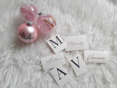 Weihnachtskugeln personalisiert mit Initialen und Name