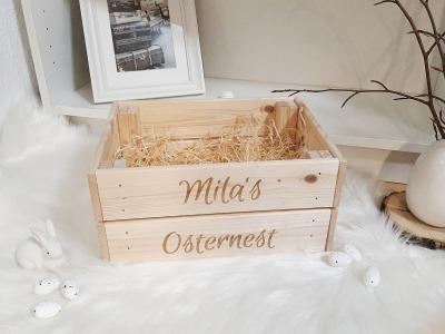Osterkiste mit Wunschname Zwei Größen Holzwolle