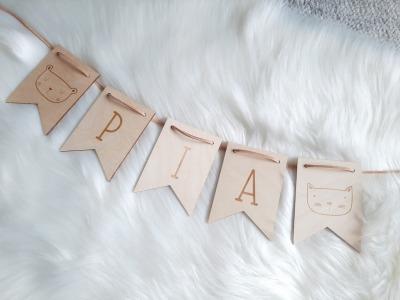 Wimpel Girlande personalisiert aus Holz Namen