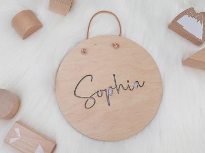 Holzschild mit Namen ausgestanzt Namensschild aus