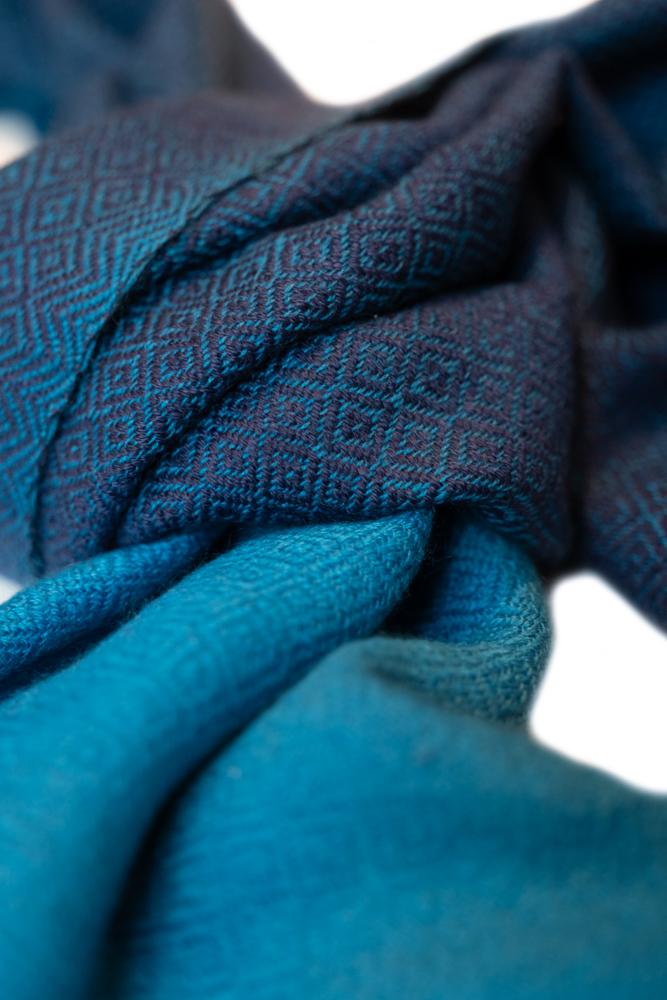 UMA/Blue Black