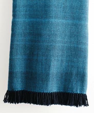 HandWerkKunst - soft touch XL-blanket blue/black