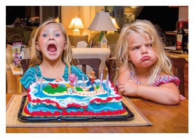 Girls & Cake Card - Palm